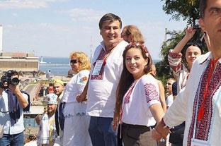 2_Саакашвiлi_на_вишиванковому_фестивалi