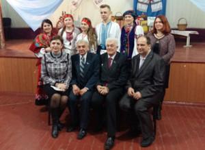 (сидіть-зліва-направо)-доцент-Н.І.Овчаренко,-доцент-В.І.Романько,-краєзнавець-та-письменник-М.І.Шакін,-директор-ЗОШ-№-13-А.І
